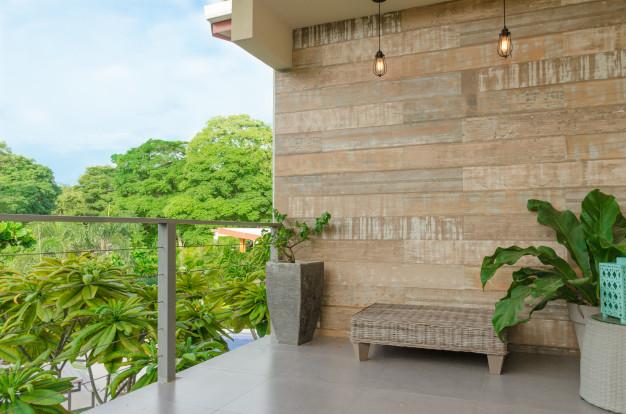 Conseils pour bien entretenir votre terrasse en carrelage